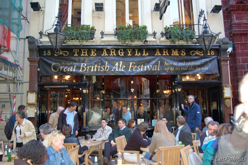 Pub-Argyll-Arms-London